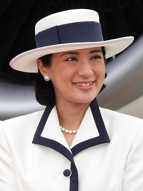 """Từ nhan sắc cho đến phong cách thời trang, Hoàng Hậu Masako Owada đều toát lên khí chất của""""mẫu nghi thiên hạ"""" - Ảnh 29."""