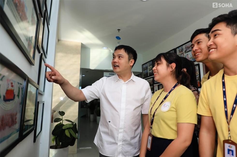 """Khoa """"Tồ"""": Từ dân chơi đua xe Hà Thành, suýt bị đuổi việc 4 lần đến chức Tổng giám đốc FPT - Ảnh 7."""