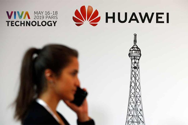 Smartphone Huawei bị cấm cập nhật Android và dùng app Google - Ảnh 2.