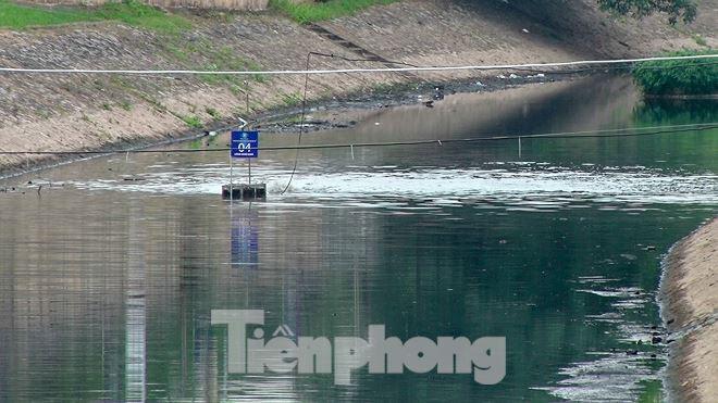 Sau 4 ngày thử nghiệm bảo bối của Nhật, sông Tô Lịch đã bớt mùi - Ảnh 9.