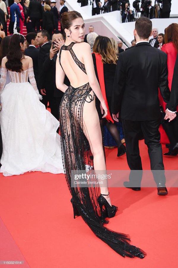 Ngọc Trinh gây sốc khi ăn vận táo bạo tại thảm đỏ LHP Cannes 2019 - ảnh 3