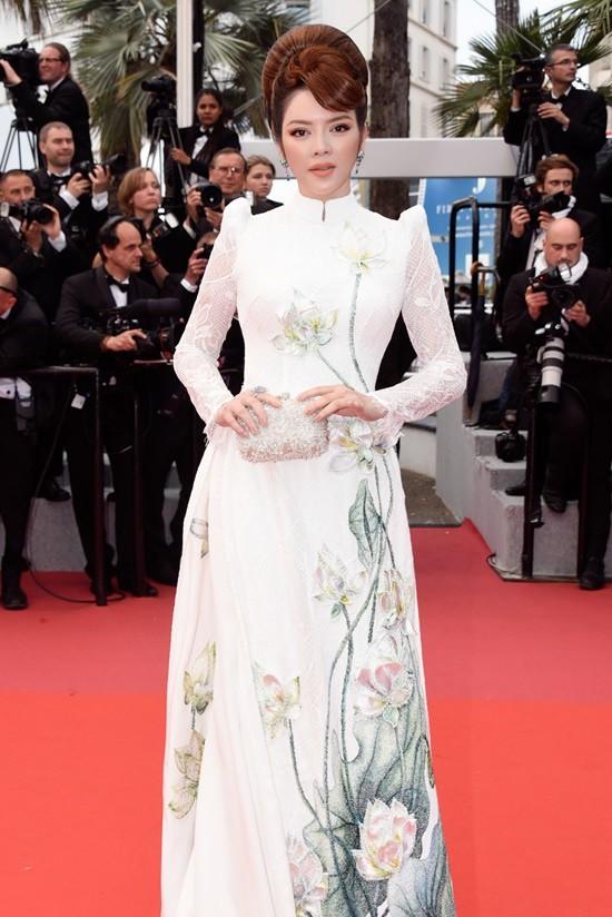 Không mặc hở hang như Ngọc Trinh, Lý Nhã Kỳ vẫn gây náo loạn thảm đỏ Cannes suốt 5 năm - Ảnh 13.