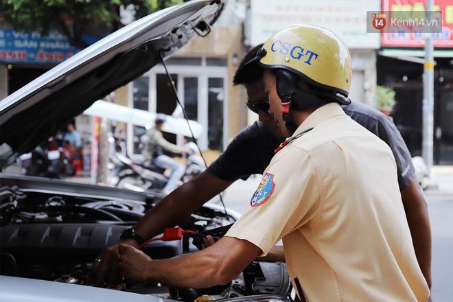 Chuyện chiến sỹ CSGT được anh em tài xế Sài Gòn gọi bằng cái tên thân mật: Anh Đạt kích bình, cứ gọi là có - ảnh 1