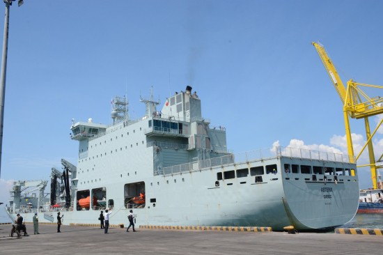 Tàu Hải quân Hoàng gia Canada lần đầu tiên thăm cảng Quốc tế Cam Ranh - ảnh 1
