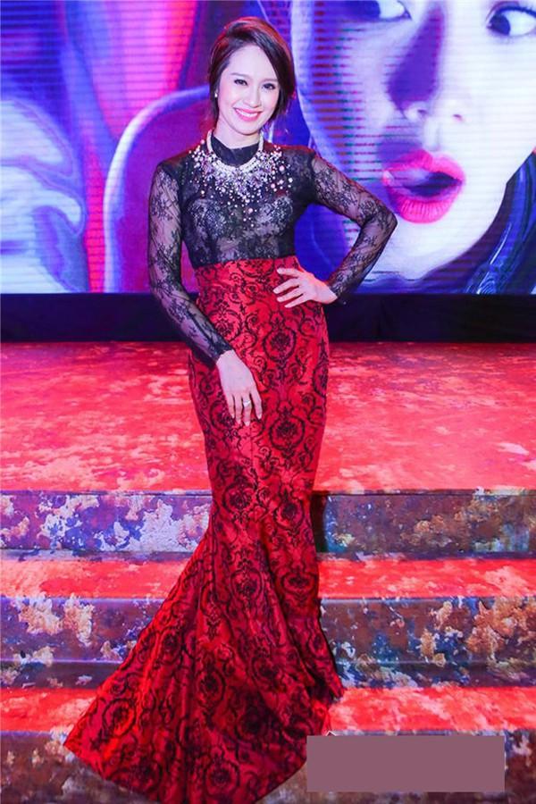 Không cần ăn mặc phản cảm như Ngọc Trinh, 4 người đẹp Việt này vẫn gây ấn tượng tại LHP Cannes - Ảnh 5.