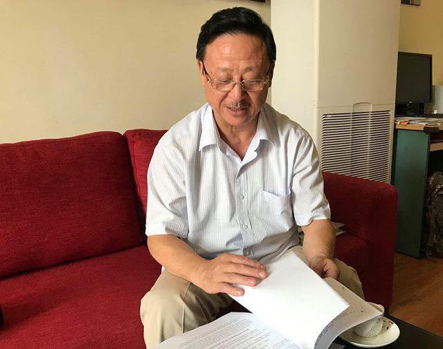 Huyện Đồng Văn trả sổ đỏ dinh thự cho cháu nội Vua Mèo - ảnh 1