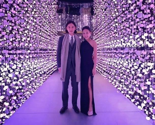 Chuyện tình mới giữa 2 thế lực siêu giàu Hong Kong: Con trai Á hậu Ngô Uyển Phương yêu cháu gái trùm bất động sản - Ảnh 2.