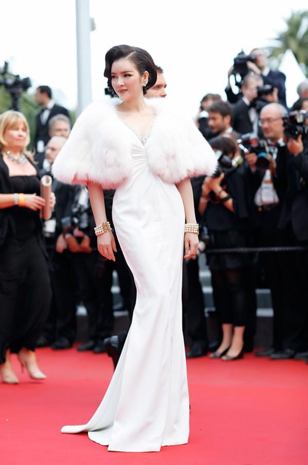 Vì sao Lý Nhã Kỳ không dự LHP Cannes như Ngọc Trinh năm nay? - ảnh 2