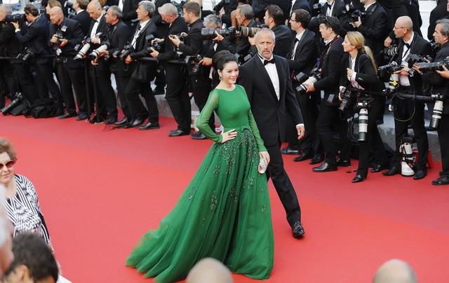 Vì sao Lý Nhã Kỳ không dự LHP Cannes như Ngọc Trinh năm nay? - ảnh 7