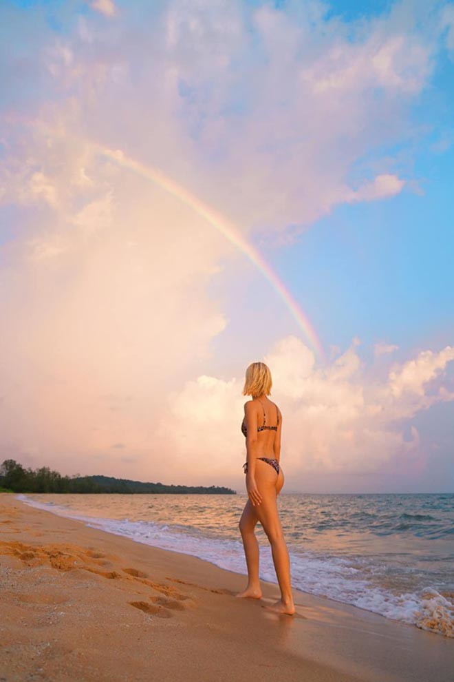 Quỳnh Anh Shyn khoe dáng nuột nà khi diện bikini - ảnh 5