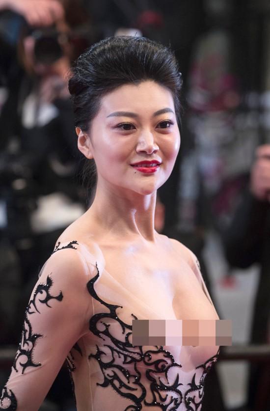 Cái giá phải trả của sao nữ hở bạo tại thảm đỏ LHP Cannes: Bị khinh rẻ, đánh mất sự nghiệp - Ảnh 1.