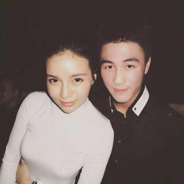 Đệ nhất thiếu gia Trung Quốc: Con trai vua sòng bạc, cầu hôn thiên thần nội y Victorias Secret - Ảnh 8.