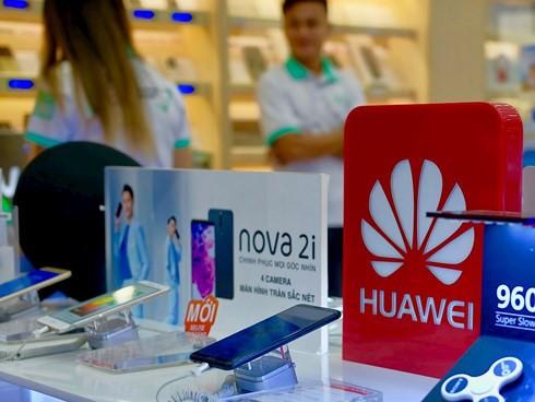 Điện thoại Huawei tại Việt Nam không bán đổ, báo tháo, tiêu thụ sẽ chậm lại - Ảnh 1.