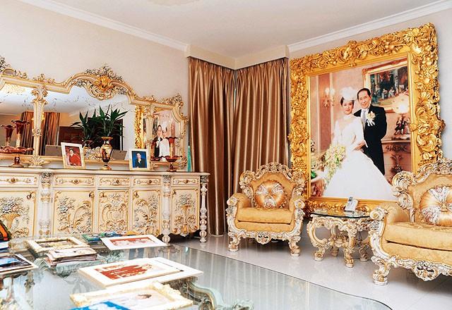 Chuyện kỳ lạ của sao phim Châu Tinh Trì: Sống với 3 người vợ, không sinh con, tranh tài sản với mẹ ruột - Ảnh 6.