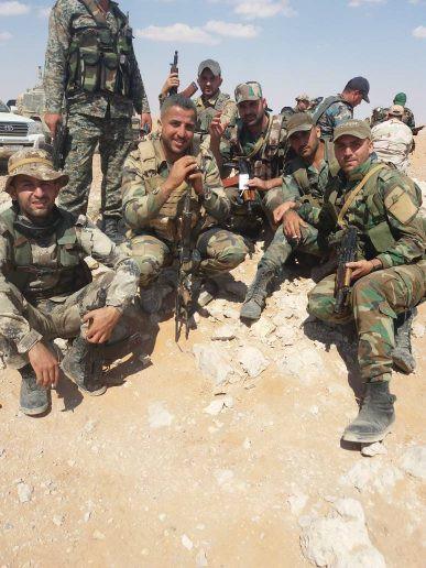 Lính QĐ Syria bóc trần sự khốc liệt chưa từng có - Phiến quân bị đẩy xuống bờ vực - Ảnh 4.