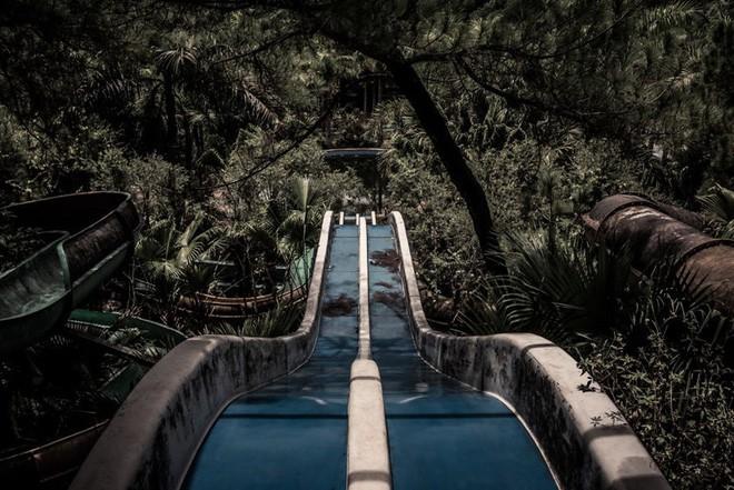 """Công viên nước bị bỏ hoang ở Huế bỗng dưng """"hot"""" trở lại sau 15 năm: Bí ẩn """"ma mị"""" mãi vẫn chưa có lời giải đáp - Ảnh 2."""