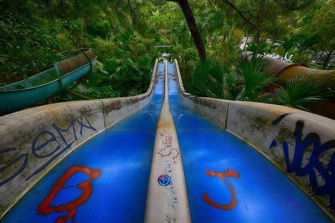 """Công viên nước bị bỏ hoang ở Huế bỗng dưng """"hot"""" trở lại sau 15 năm: Bí ẩn """"ma mị"""" mãi vẫn chưa có lời giải đáp - Ảnh 18."""