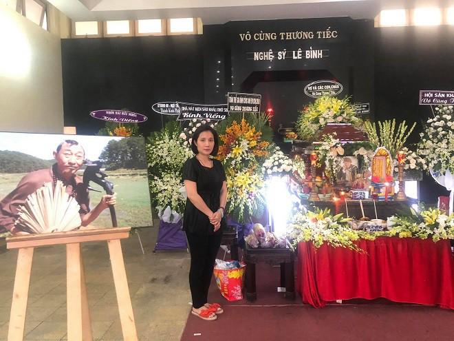 Nghệ sĩ Lê Bình ra đi, Cát Tường: Sân si, hơn thua, ghét bỏ nhau để được gì - Ảnh 1.