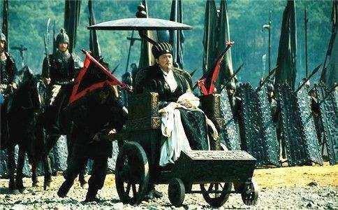 """Giải mã lý do tại sao Gia Cát Lượng hoàn toàn khỏe mạnh mà vẫn ngồi """"xe lăn"""" - ảnh 3"""
