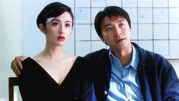 Mỹ nhân tuyệt sắc phim Châu Tinh Trì: Thời trẻ chuyên cặp đại gia, U60 hẹn hò bạn trai kém 10 tuổi - Ảnh 3.