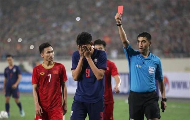 V.League thiếu gì tiền đạo, tại sao thầy Park phải trông đợi vào cầu thủ Việt kiều? - Ảnh 5.
