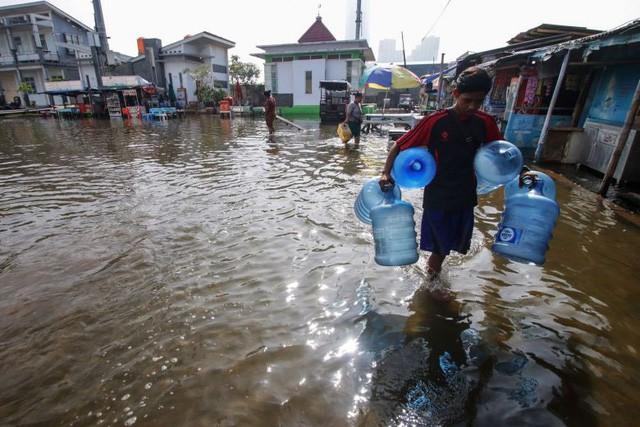 Jakarta chìm nhanh nhất thế giới, TP HCM đứng thứ 3, biến đổi khí hậu đáng sợ hơn rất nhiều so với chúng ta tưởng tượng - Ảnh 3.