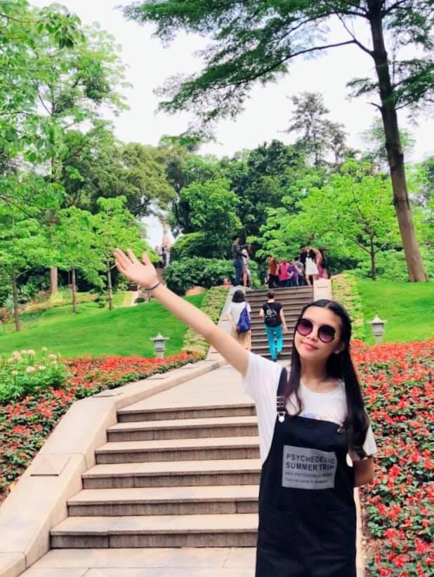 Bà xã Quyền Linh chia sẻ ảnh đi du lịch của gia đình, dân tình phát hiện ra tận 2 điều thú vị - Ảnh 6.