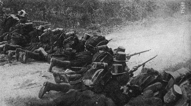 Ảnh hiếm lột tả chân thực những trận chiến khốc liệt trong Thế chiến I - ảnh 12