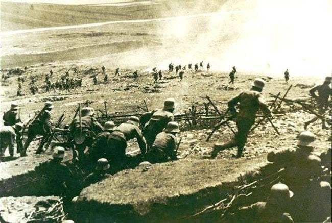 Ảnh hiếm lột tả chân thực những trận chiến khốc liệt trong Thế chiến I - ảnh 5