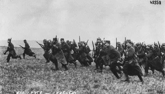 Ảnh hiếm lột tả chân thực những trận chiến khốc liệt trong Thế chiến I - ảnh 10
