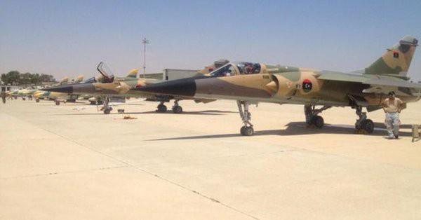Cả Nga và Tướng Haftar ở Libya đều không vừa: Dao găm thủ sẵn sau cái bắt tay? - Ảnh 5.