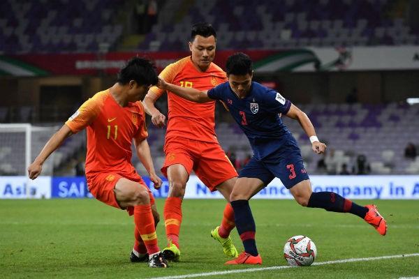 Bóng đá Thái Lan đang thực sự lâm vào bế tắc