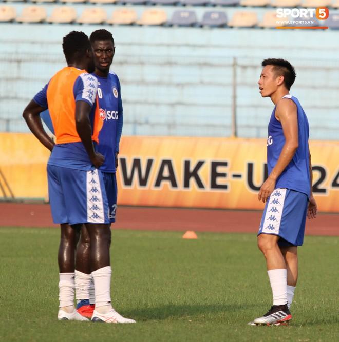 Quang Hải bị quá tải sau Kings Cup, được HLV trưởng Hà Nội FC đặc cách khi về tới Việt Nam - Ảnh 14.