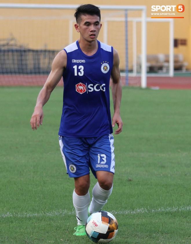 Quang Hải bị quá tải sau Kings Cup, được HLV trưởng Hà Nội FC đặc cách khi về tới Việt Nam - Ảnh 8.