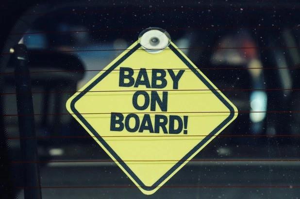 Chuyện ít biết về người sáng chế chiếc biển Có em bé trên xe: Một bước trở thành triệu phú nhưng chưa bao giờ được làm bố - Ảnh 2.