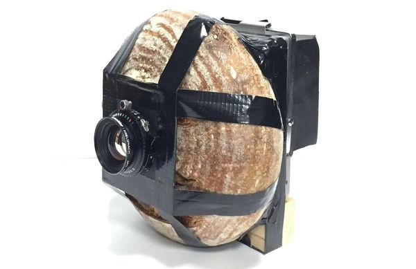 Những bức ảnh tuyệt vời được chụp bằng camera làm từ chất liệu bánh mì - Ảnh 1.