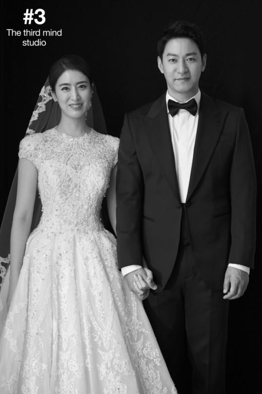 Tài tử Sắc đẹp ngàn cân khoe ảnh cưới mà dân tình chỉ dán mắt vào cô dâu đẹp như Hoa hậu, còn na ná Kim Tae Hee - Ảnh 3.