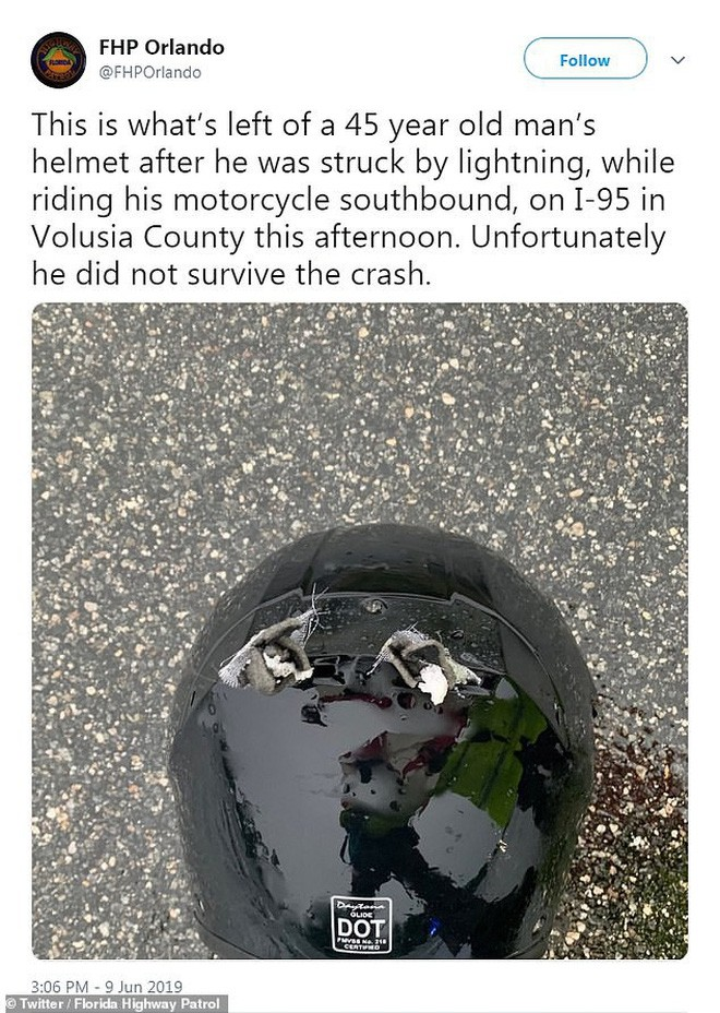 Một mình đi xe máy trên cao tốc toàn ô tô, người đàn ông bị sét đánh thủng mũ bảo hiểm tử vong tại chỗ - Ảnh 4.