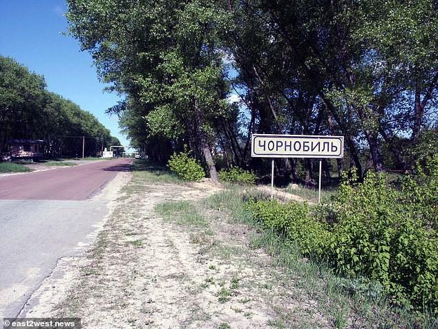 Đường vào Chernobyl.