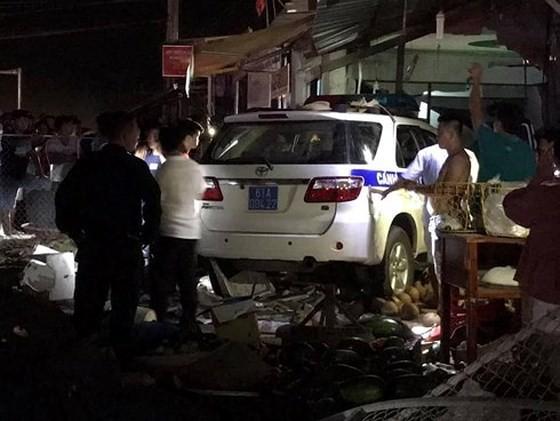 Khởi tố vụ thiếu úy điều khiển xe CSGT gây tai nạn khiến 1 người tử vong - Ảnh 1.