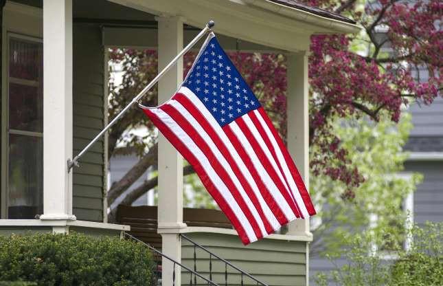Câu chuyện ít biết đằng sau lá quốc kỳ của các nước - Ảnh 2.