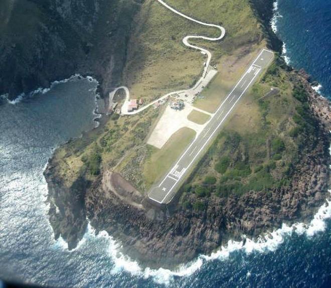 9 sân bay tọa lạc ở nơi chênh vênh hiểm trở như tận cùng thế giới, vị trí thứ 8 mang tên Cristiano Ronaldo - Ảnh 8.