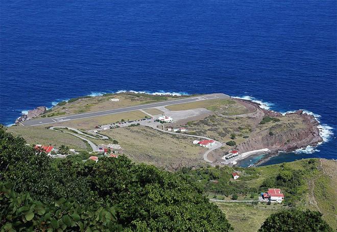9 sân bay tọa lạc ở nơi chênh vênh hiểm trở như tận cùng thế giới, vị trí thứ 8 mang tên Cristiano Ronaldo - Ảnh 9.