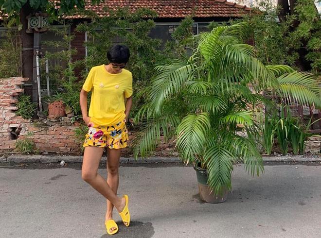 """Vợ cũ Huy Khánh """"gây bão"""" khi nhận xét H'Hen Niê đi dép tổ ong là 'quê mùa lôm côm' nhưng cách đáp trả của Hoa hậu khiến ai cũng phải ngả mũ - ảnh 5"""