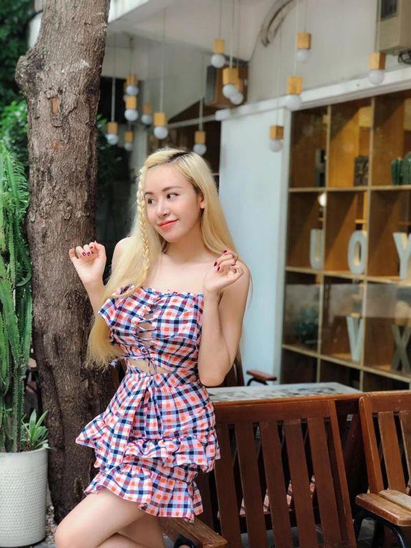 Bà Tưng Huyền Anh gây ngỡ ngàng với hình ảnh nhu mì hiện tại - ảnh 2