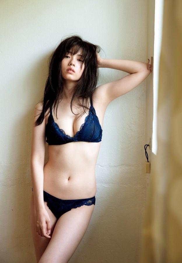 Mỹ nhân Nhật chuộng mặc bikini nhỏ xíu chụp sách ảnh - ảnh 7