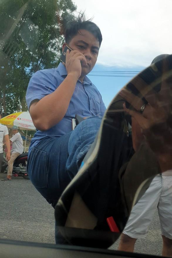 Bắt giám đốc doanh nghiệp gọi giang hồ tới vây xe chở công an ở Đồng Nai - Ảnh 1.