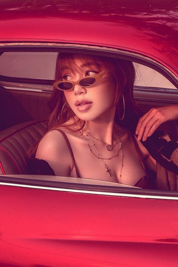 Elly Trần làm nữ tài xế nóng bỏng 'thiêu đốt' mọi ánh nhìn - ảnh 3