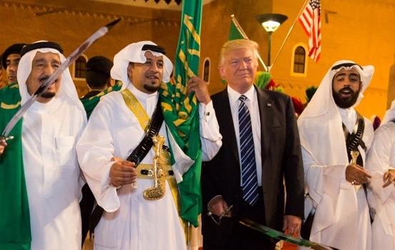 Tổng thống Mỹ Donald Trump đang chơi trò chơi chiến tranh bằng sinh mạng thế giới? - ảnh 3