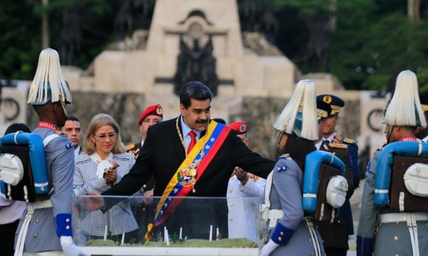 NÓNG: Venezuela đảo chính lần 2, Tổng thống Nicolas Maduro bị ám sát hụt - ảnh 1
